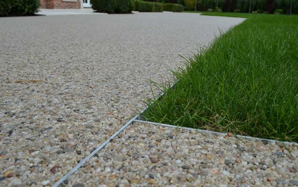 Resin bound surfacing using Dural's Edge Profiles. Photo courtesy of Clearstone